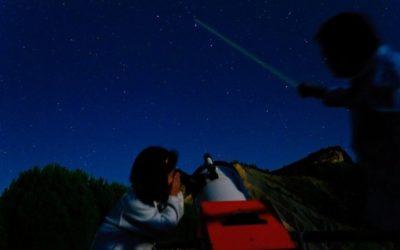 Observación nocturna a simple vista y con telescopios
